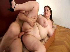 Spreading her fat legs to take a dick