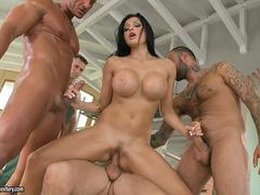 Aletta Ocean Special pay day at work