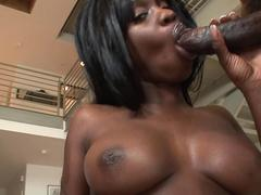 Creampie shooting bbc fills up an ebony whore and makes her drip jizz