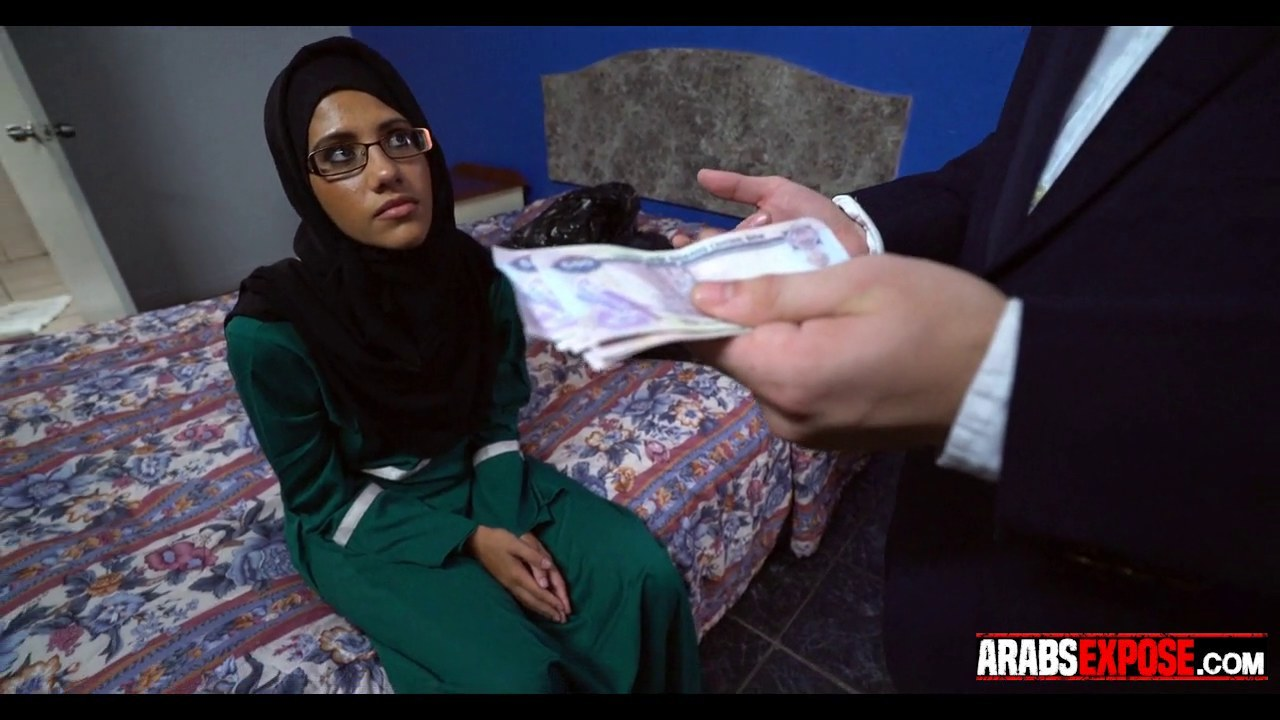 arab girl paid for blowjob on gotporn (6313619)