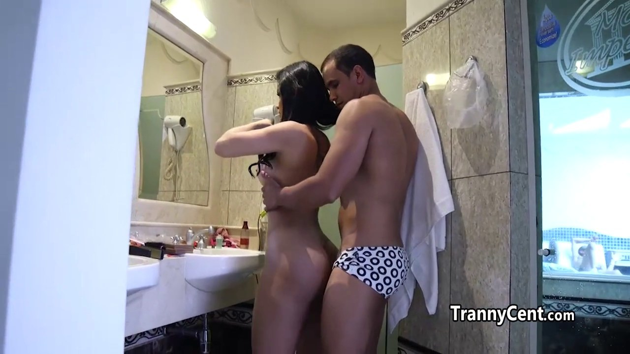 guy-fuck-tgirl-ass-behind-the-scene-naked-fish-tahoe