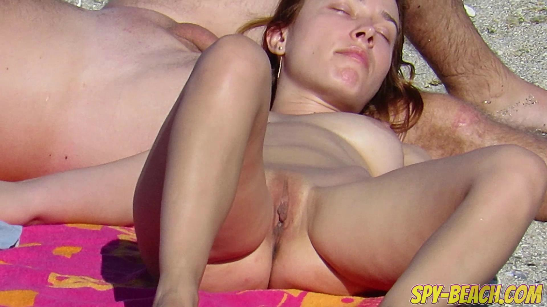 hot nude amateur beach voyeur close up pussy on gotporn (5914993)