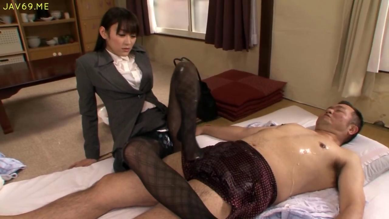 gorgeous japanese starlet in pantyhose gives a super hot footjob on