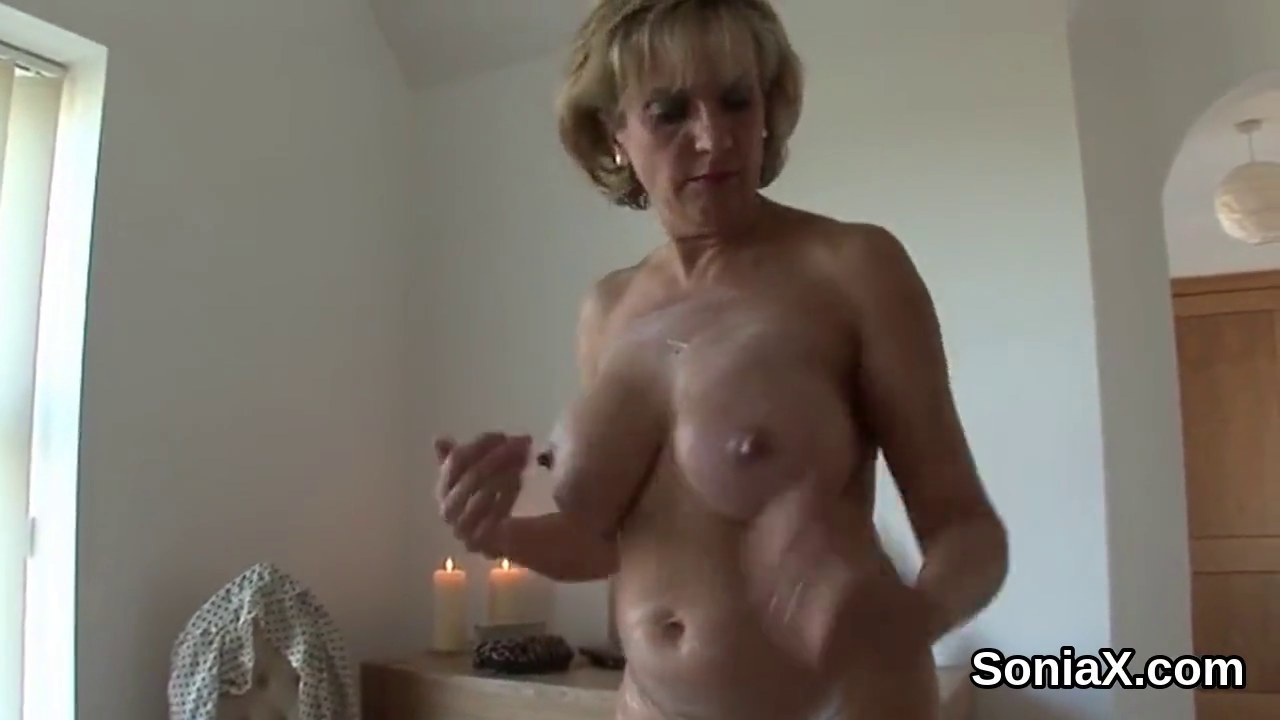 Homemade lesbian housewife video