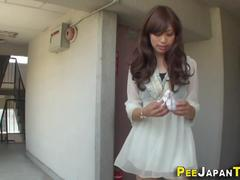 japanese babes urinating sexy