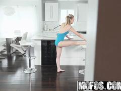 Mofos - Pervs On Patrol - Cali Sparks - Ballerina Gives Epic Blow Job