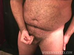 Mature Amateur Jason Beats Off