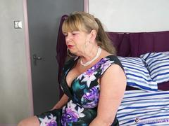 OmaGeiL Busty Mature Lady Solo Striptease