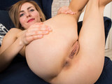 Attractive Russian mommy has sexy solo fun