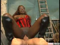 Bernadette the chocolate hottie rides a dick