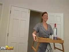 Milf Ginger Blaze gives her Mann breakfast and head in bed!