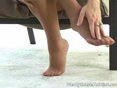 Izzy masturbates in sheer pantyhose