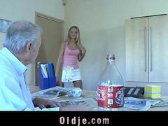 Young silly maid cleaning grandpa s old dick