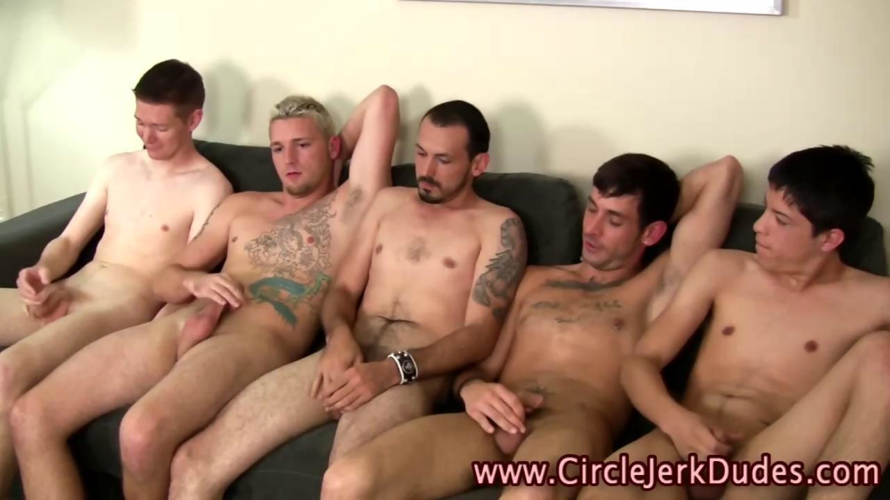Amateur guys jerk off