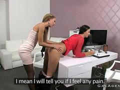 Brunette pussy toyed by lesbian boss on her casting