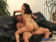 Curly babe Malorie gets her ass plugged up