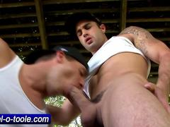 Pornstar hunk Samuel O Toole gives head to his man HD