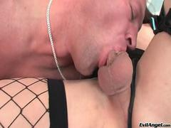 TS Kimberly Kills gets sucked and rimmed