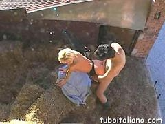Amateur Italian milf gets rear ended outside