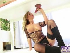 Big tits Cameron gives her client excellent cock milking treatment