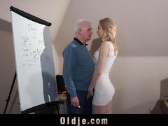 Slutty girl gives old boss her pussy to get a job