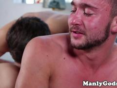 Muscle stud riding hunks cock after analplay