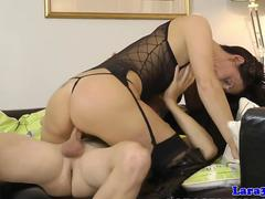 Mature brit pussyfucking in thigh high boots