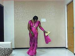 i am lata,girly gay,wears saree and blouse,fuck me