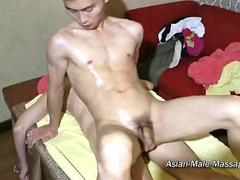Ass Pushing Of Asian Male Massage Skills