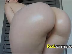 Big White Round Ass Oiled Up