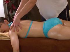 oil massage shops continue to operate in the japanese video clip 1