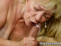 Geriatric whore gets fuck