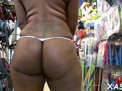 squeezing a big massive ass clip video 1