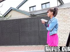 Mofos - Stranded Teens - Sex Outside with Ebony Cutie starring  Isabella Christyn