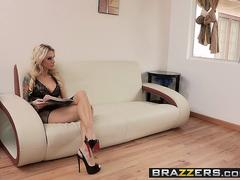 Brazzers - Mommy Got Boobs - Sarah Jessie Xander Corvus - Peeping Tom Peeping Mom