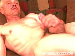 Mature Amateur Donnie Beats Off