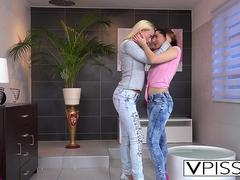 Amazing girls pissing on each other