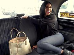 Stunning Columbian hottie fucks in taxi