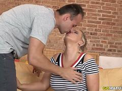 Hot mom Eva fucking and sucking