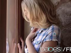 BABES - Alexa Johnson - Wandering Hands