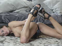 Michaela Isizzu in a hot solo session